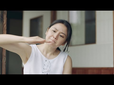 長澤まさみ、流暢な関西弁披露 大日本除虫菊『虫コナーズ』TV-CM「はずしてみたら?」篇&「ふんばる手」篇