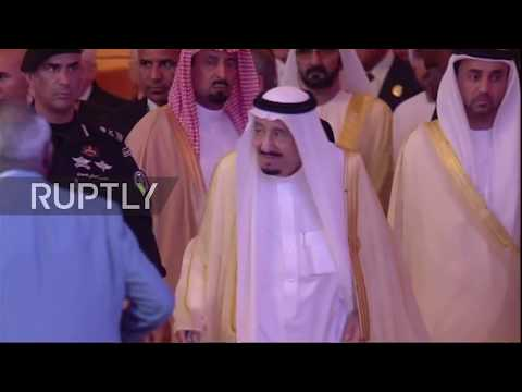Saudi Arabia: King Salman slams 'dangerous' Iran at Arab League meet