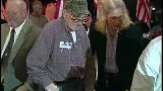 WWII War Dog handlers arrive in Topeka