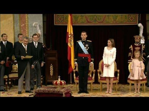 Felipe de Borbon is sworn in as Spain's new king