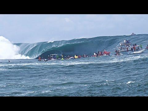 code red - Tahiti biggest swell