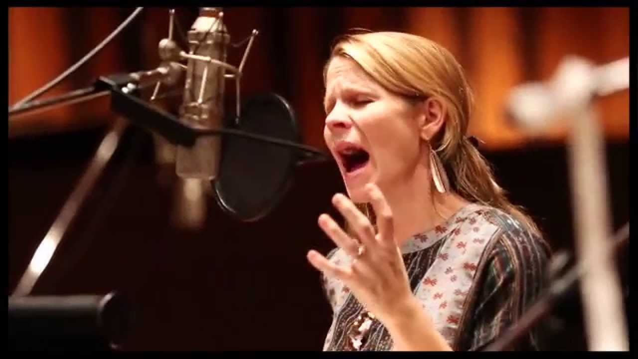 Kelli O'Hara Nude Photos 12