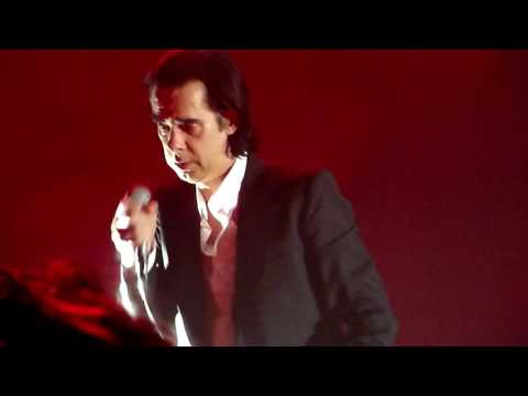 Nick Cave & the Bad Seeds - Higgs Boson Blues...forgot the words (Hobart 13.01.17)