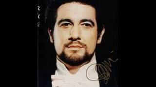 Placido Domingo cantaNon ti scordar di me