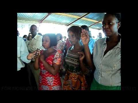 Prophetess Emmie Kapenda of Times of Refreshing Ministry International,Choma,Zambia  Prophesying in