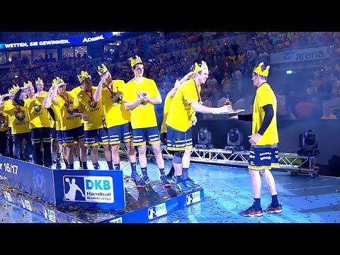 Einlauf des Meister-Teams der Rhein-Neckar Löwen