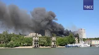 Не менее 12 домов горят в Ростове на Дону