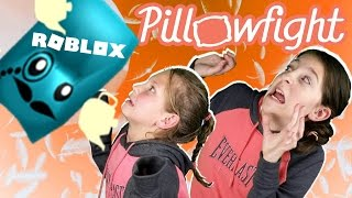 ROBLOX PILLOW FIGHT SIMULATOR - LYRONYX VS HUNTRYS COLLAB