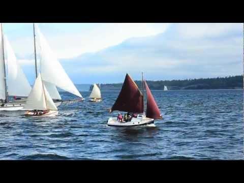 PocketShip: 15-foot Fast-Sailing Pocket Cruiser with Sitting