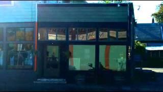 960 Trinket Restaurant, 2035 SE Cesar E Chavez Blvd
