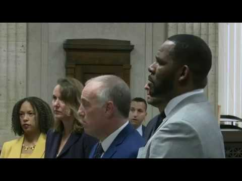 R. KELLY IN COURT: Singer Back In Court For New Charges