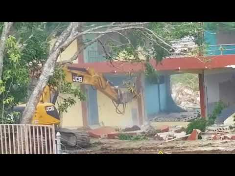 Demolición escuela DR Facundo Bueso, Carolina