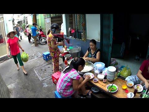 Hẻm Sài Gòn - Khu Tôn Đản || Life in Saigon alleys - Ton Dan Alleys  || Vietnam Discovery Travel