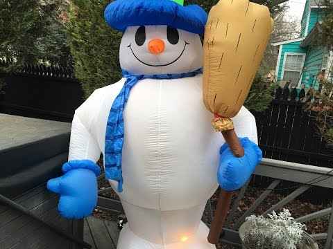 8ft blue broom snowman inflatable review Gemmy 2003