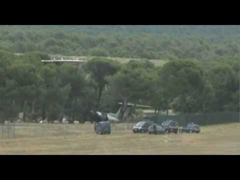 Three Americans dead in private jet crash in south of France 13 07 2012