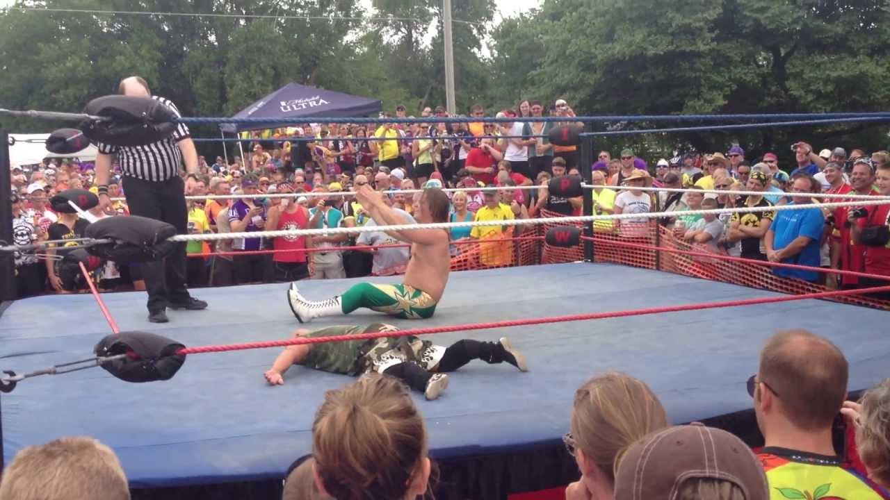 Midget Wrestling! Ragbrai 2013