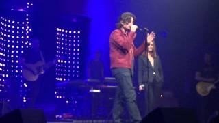 Profite (mini extrait) ~ Benjamin Biolay feat. Vanessa Paradis ~ Concert AB Bruxelles (26-04-2013)
