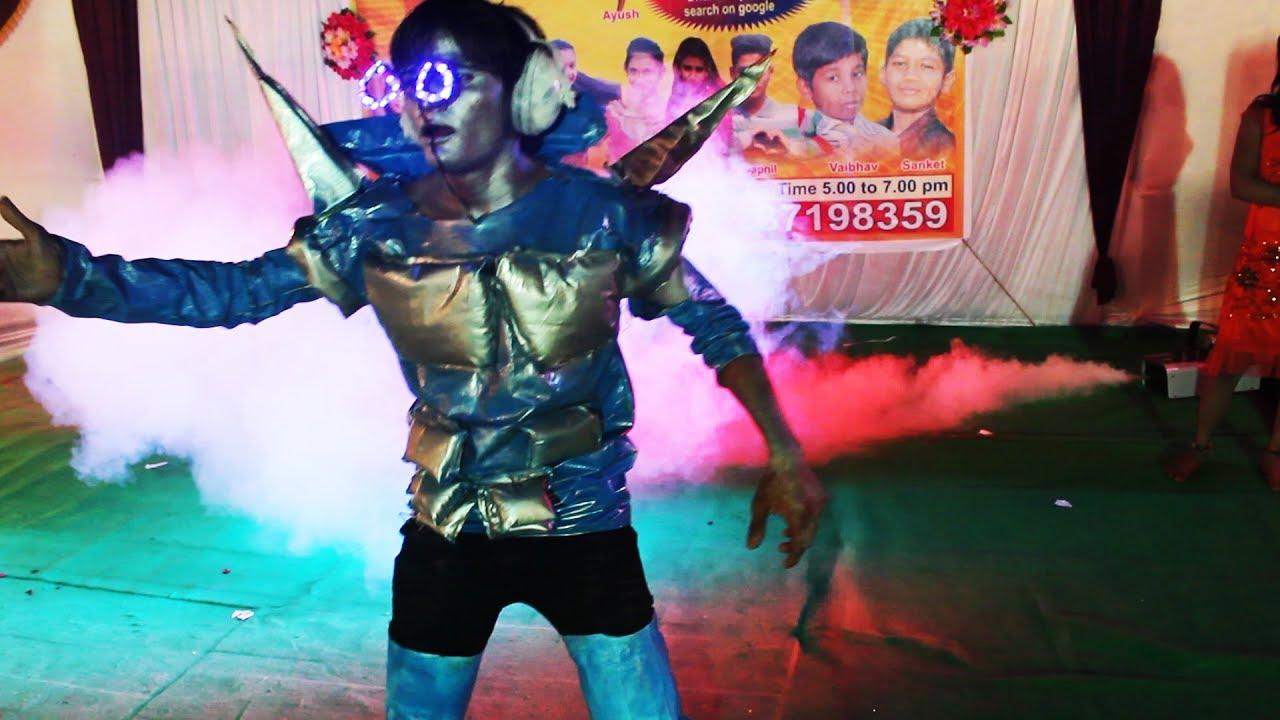 Amazing Robotics Dance By Robin Masiha With Full Costume And