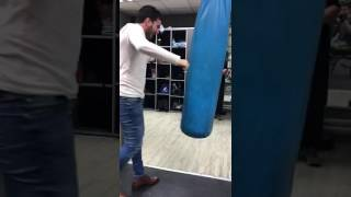 MMA Pro Fighter Trains For a Fight ; Look says nothing about power