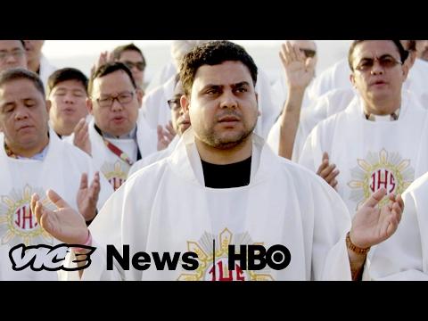 Philippine Vigils Against Vigilantes : VICE News Tonight on HBO