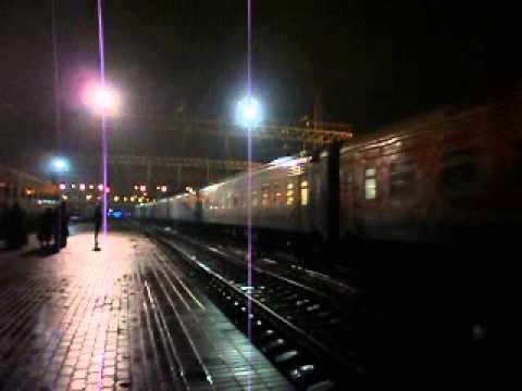 Поезд №126 Москва-Новороссийск отправляется со станции Ростов-главный