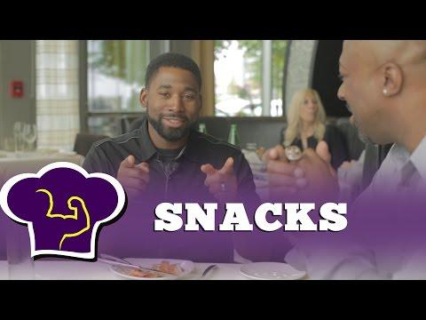 Jackie Bradley Jr, Chili Davis and Torey Lovullo's favorite snacks!