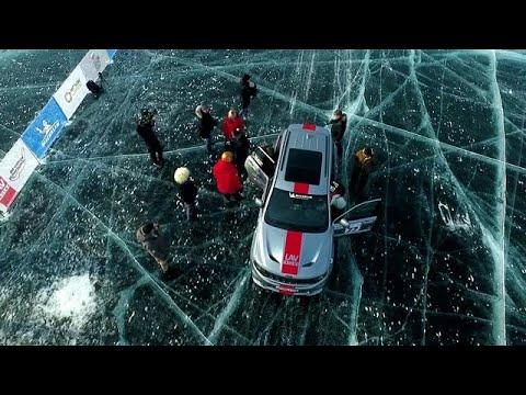 צפו בשבירת שיא מהירות  הנסיעה על אגם קרח | מלחיץ
