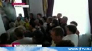 В интернет попали кадры бегства губернатора Хмельницкой области от соратников   Первый канал