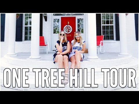 WE WENT TO TREE HILL & MET BROOKE DAVIS AT EYECON'S CONVENTION | LucyAndLydia