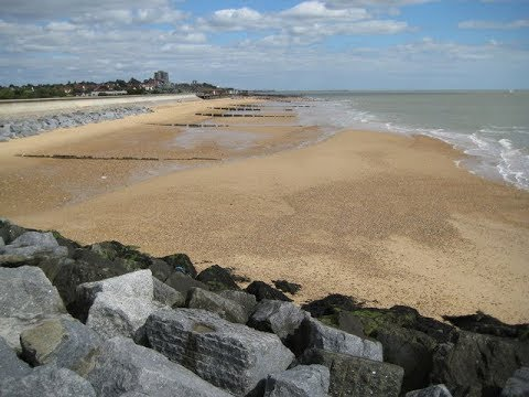 Places to see in ( Frinton On Sea - UK )