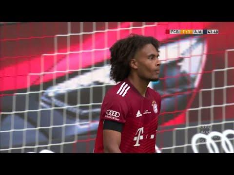 Joshua Zirkzee with an INCREDIBLE miss in Bayern Munich's pre-season friendly against Ajax
