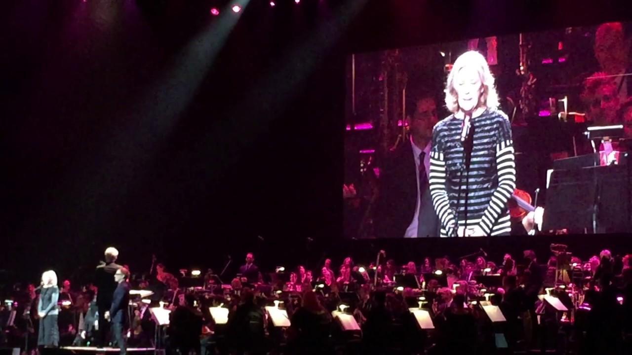 Catherine O'Hara Sings The Nightmare Before Christmas - YouTube