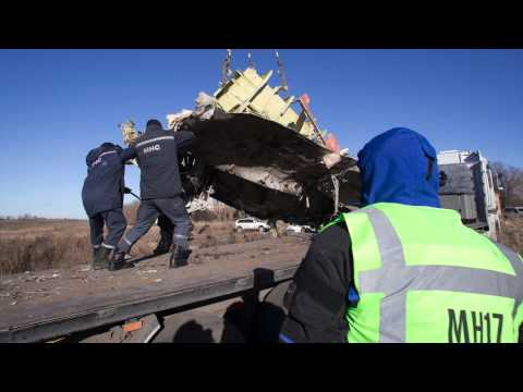 Impression recovery wreckage MH17