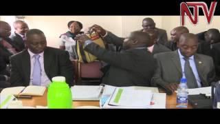 Zungulu: AbaChina basiibye mu palamenti nga bawoza thumbnail