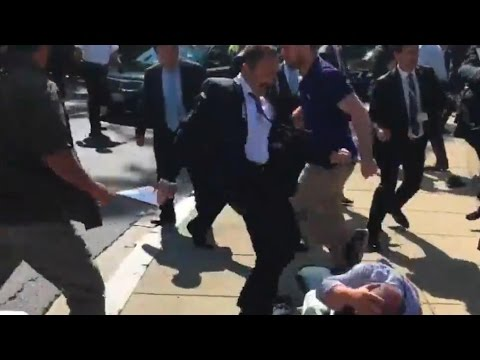 Turkísh President's Bodyguards Assault Peaceful Protesters In US