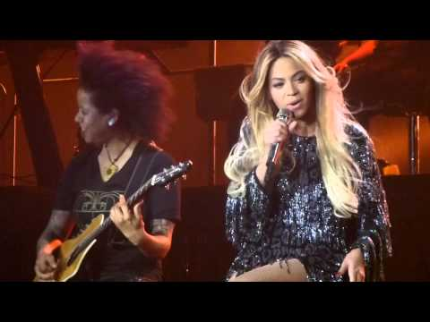 Beyoncé Irreplaceable Spanglish version live Barcelona