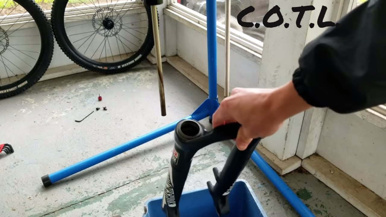 How to Service your MTB Fork + Replace Seals