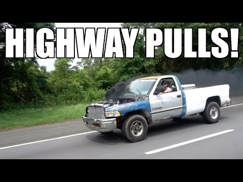 TWIN TURBO 12 VALVE CUMMINS RACING!!! FIRST GEN VS. SECOND GEN HIGHWAY DRAGS!!!