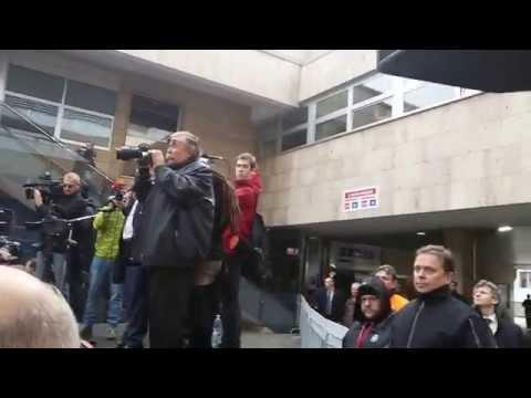 Mostecko: Jan Mládek vypískán horníky v Ústí nad Labem
