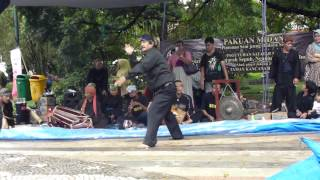 Video PENCAK SILAT di Taman Kancana-Bogor download MP3, 3GP, MP4, WEBM, AVI, FLV Mei 2018