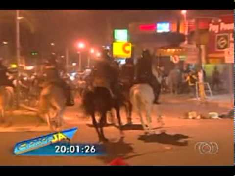Advogada é morta a tiros dentro do carro, em Goiânia from YouTube · Duration:  2 minutes 5 seconds