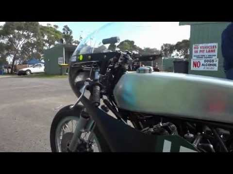 Post Classic Two Stroke T20 Suzuki Mac Park Mt Gambier May10