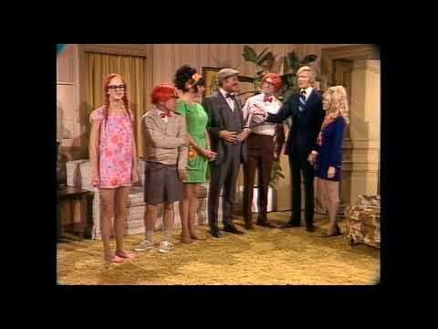 Gladys & Tyrone   Rowan & Martin's Laugh-In   George Schlatterиз YouTube · Длительность: 1 мин50 с