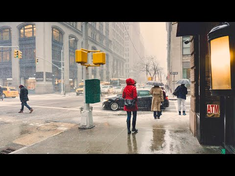 NEW YORK CITY 2018: SPRING RAIN on the STREETS OF MANHATTAN [4K]
