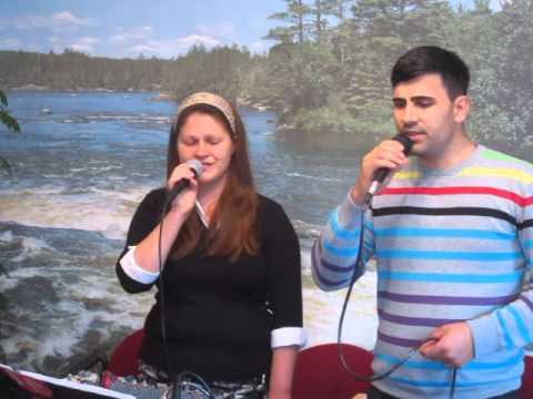 Sirbu Rebeca&Valentin Privesc spre ceruri...
