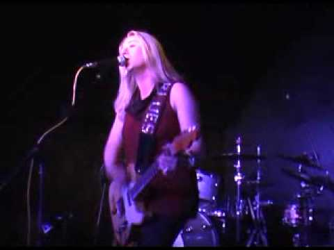 joanne-shaw-taylor-kiss-the-ground-goodbye-the-tunnels-tripsybon