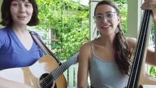 NNS.1 // Molly Tuttle & Lindsay Lou - Joni Mitchell (Cover) - You Turn Me On (I'm A Radio)