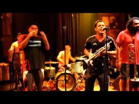 Chico Trujillo Quiero Un Sombrero Video Clip - YouTube 4ae811fa169