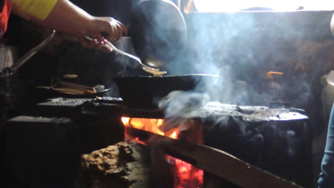 1584 Cocinando En Fog N De Le A En Casa Campesina Raw