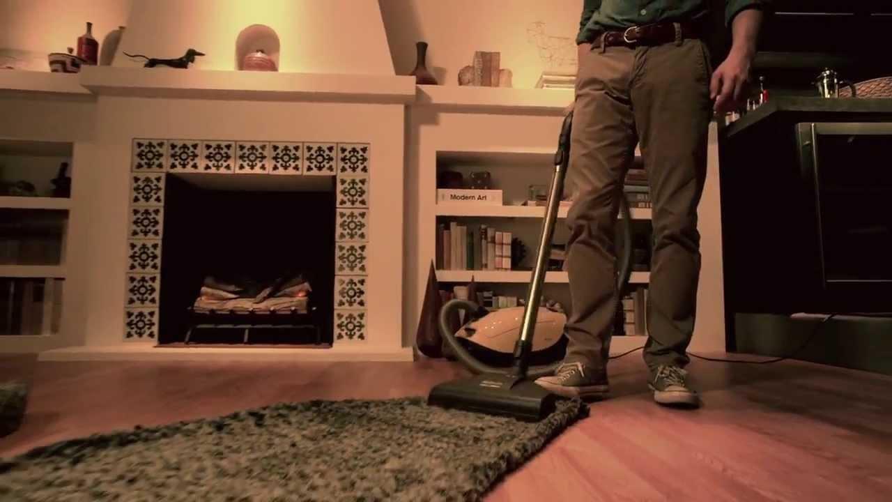 Download Wilfred Season 4 Promo - Carpet
